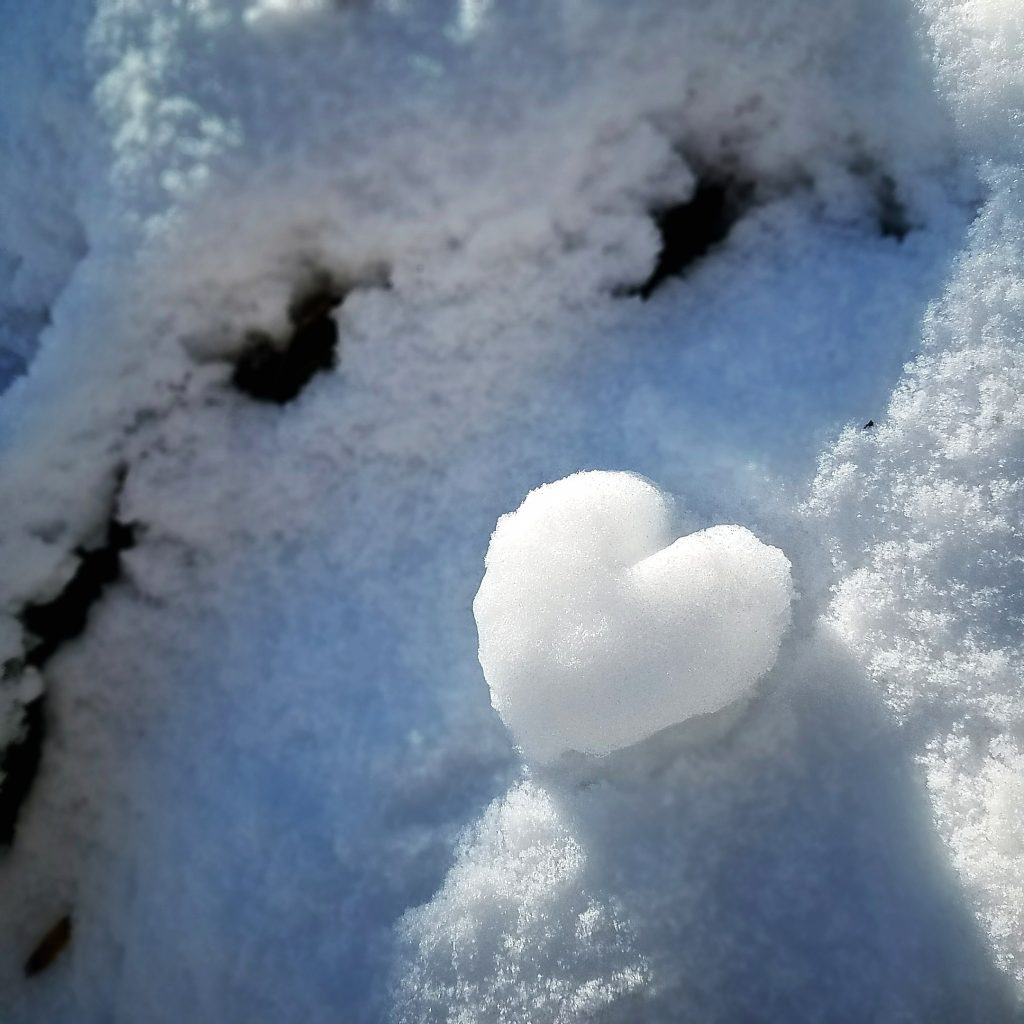 Snow heart and winter aesthetic by The Lady Nerd
